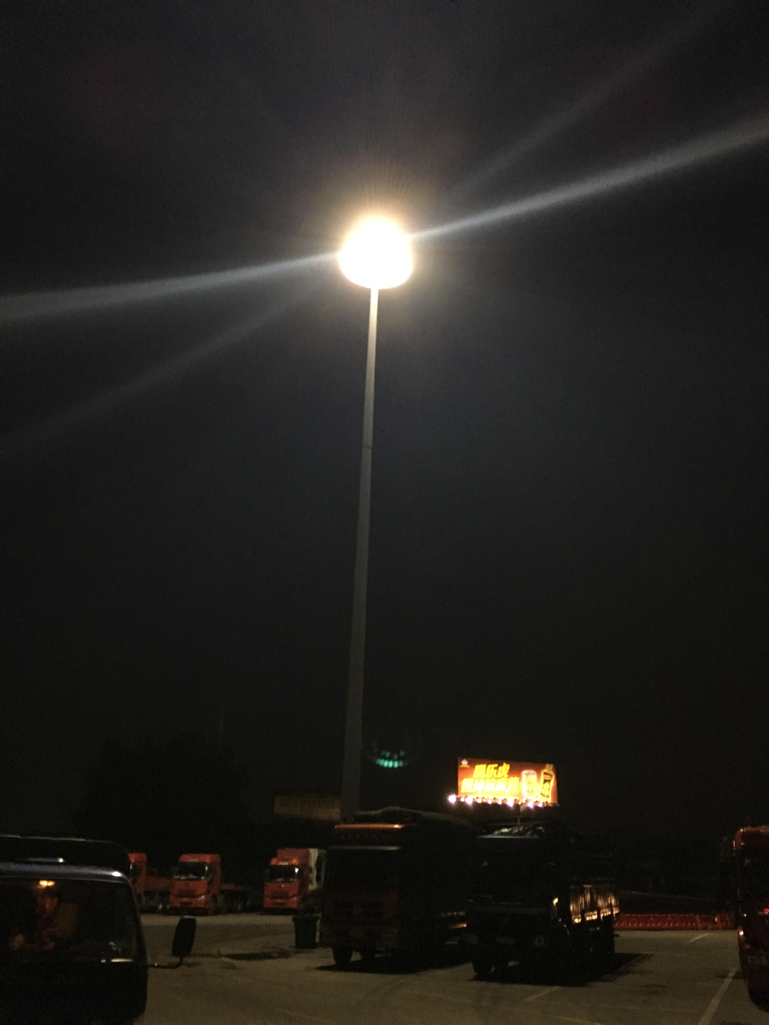 服务区升降式高杆灯案例